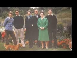 see queen elizabeth u0026 prince philip u0027s christmas cards 1971 2001
