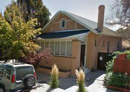 need advice on exterior paint color for stucco house w green shingles