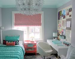 Ideas For Decorating A Small Bedroom Best 25 Small Teen Bedrooms Ideas On Pinterest Small Teen Room