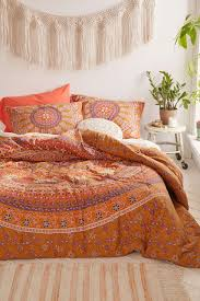 Machine Washable Comforters Jiya Medallion Comforter Comforter Urban Outfitters And Urban