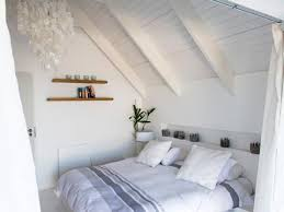 einrichtung schlafzimmer ideen bemerkenswert kleine zimmer mit schräge einrichten ideen wall