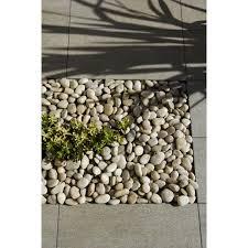 pierre pour jardin zen galets zen en pierre naturelle crème 50 70 mm 25 kg leroy merlin
