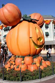 halloween town building background 8 best disneyland with the bestie images on pinterest disney