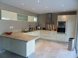cuisine avec carrelage gris photos cuisine blanc et gris couleur avec carrelage beige newsindo co