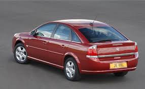 opel astra 2005 red vauxhall vectra hatchback review 2005 2008 parkers