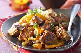 cuisiner le collier de veau tajine de veau aux dattes et abricots secs recettes de cuisine