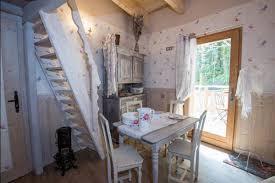 chambre d hotes la bresse clairière aux cabanes l atelier de la couturière à la bresse en