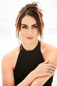 what color is shakira s hair 2015 lauren gottlieb wikipedia