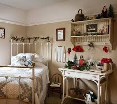 Best COUNTRY PRIMATIVE COLONIAL BEDROOMS Images On - Country bedroom designs