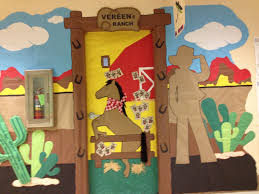 thanksgiving classroom door decorations 67 best western theme classroom images on pinterest western