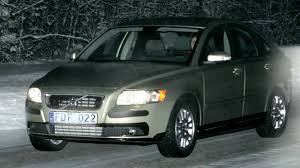 volvo s40 volvo s40 facelift spy shots news gallery top speed
