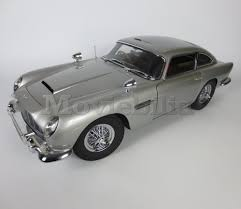 old aston martin james bond james bond 007 u0027build your own u0027 eaglemoss 1 8 scale aston martin