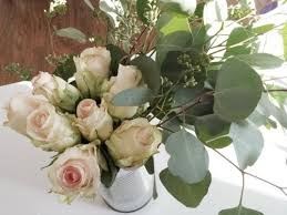 roses centerpieces 11 beautiful diy floral centerpieces for a wedding
