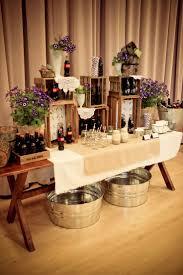 mesas de snacks y postres originales para tu boda rustic purple