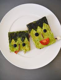 dai un u0027occhiata a halloween food ideas frankenstein avocado toast