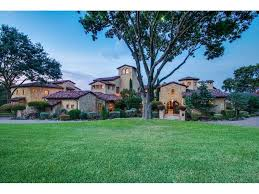 tuscan estate on white rock lake hosts usa u0027s queen of the south