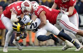 Wisconsin defense travel system images Tom oates wisconsin defense does what it does best in win over jpg