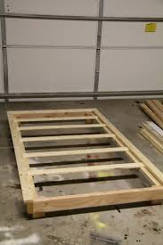 How To Build A King Size Platform Bed Plans by Best 25 Twin Platform Bed Frame Ideas On Pinterest Twin Bed