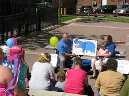 jclc parents as teachers program host downtown roll and read