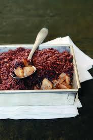 le larousse de la cuisine crumble chocolat noisettes poires et vanille larousse cuisine