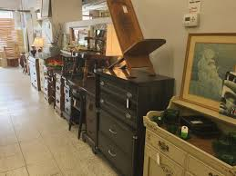 mimi s attic stylish and useful used items for the home summer is a pretty exciting time at mimi s with so many people purging and moving in and out of ithaca we take in more merchandise than any other time of