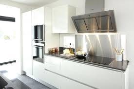 idee cuisine blanche cuisine avec credence inox ide crance cuisine contemporaine