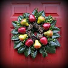 the wreaths of colonial williamsburg tin whistle wreaths and