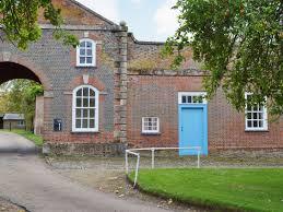courtyard cottage ref w44024 in middle claydon near buckingham