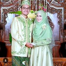 wedding dress bandung syari wedding dress in avocado green credit to arsyrias make up
