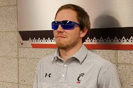 glasses for eyes sensitive to light colored glasses may provide light sensitivity relief post concussion
