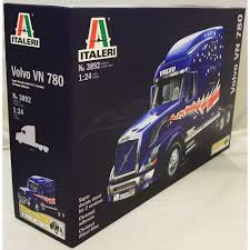 volvo model trucks italeri 1 24 3892 volvo vn 780 plastic model truck kit italeri