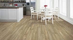 Laminate And Vinyl Flooring Mohawk Solidtech Luxury Vinyl Flooring Mohawk Lvt Luxury Vinyl