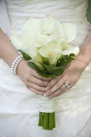 bouquets for wedding beautiful wedding flowers for every season church flowers