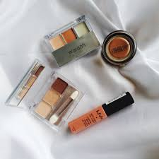 Wardah Kit ini adalah 4 items wajib dalam makeup aku wardah function