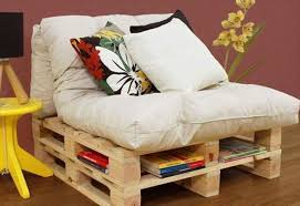 fabriquer coussin canapé comment fabriquer un canapé en palette tuto et 60 idées