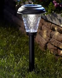 Solar Lighting For Gardens by Best Solar Powered Garden Lights Top 6 Reviews