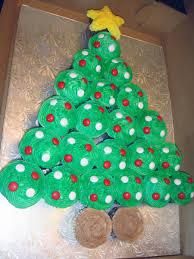 christmas tree cupcake cake v2 cakecentral com