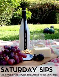 saturday sips backyard picnic with bon affair wines momtrends