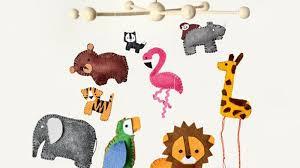 décorer la chambre de bébé soi même 10 mobiles pour égayer la chambre de bébé magicmaman com