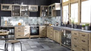 cuisine en metal crédence cuisine carreaux de ciment patchwork et artistique