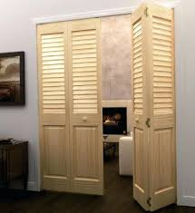 Louvered Closet Doors Closet Louvered Sliding Closet Doors Wooden Louvered Sliding