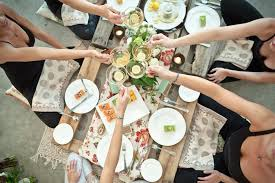 who to invite to rehearsal dinner etiquette everything you need to know about bridal shower etiquette venuelust