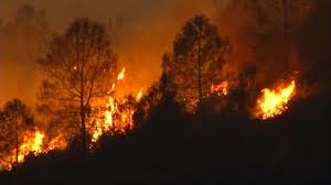 wildfire forces evacuation of 2 000 from california town