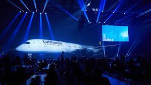 747 Dreamliner Interior Inside Lufthansa U0027s Brand New A350 900 Thedesignair