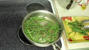 turkey bacon green beans easy thanksgiving side dish recipe