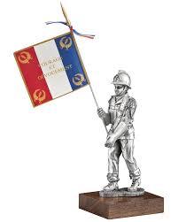 seau a champagne casque pompier figurine pompier porte drapeau