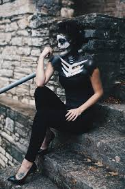 How To Make A Skeleton Costume For Halloween by Skeleton Makeup How To For Halloween Costume Ideas Dressed To Kill