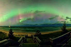 Northern Lights Forecast Michigan These Jaw Dropping Photos Of The Great Lakes Night Sky Seem Too