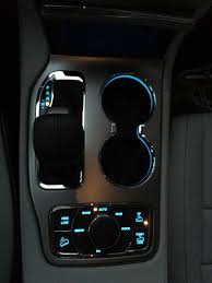 2017 jeep grand cherokee dashboard this might be the most stylish suv ever shebuyscars 2017 jeep