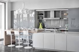 credence cuisine grise design interieur crédence cuisine verre gris taupe meubles